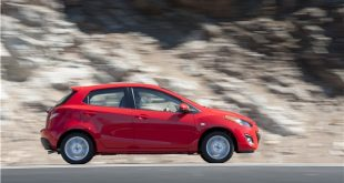2014_Mazda_Mazda2_