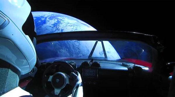 خودرویی که فضانوردی می کند